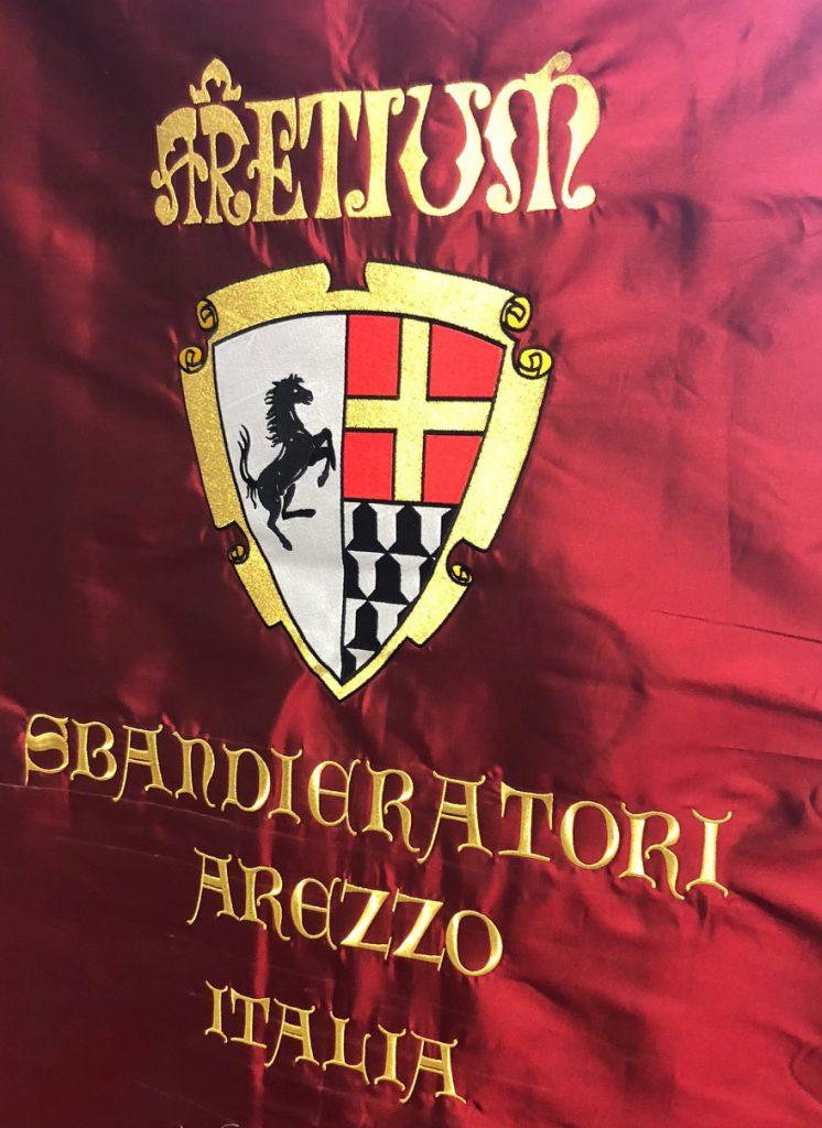 Ricami personalizzati, abbigliamento ricamato, patch e stampa su capi Arezzo Siena Firenze.